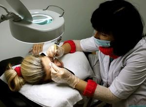 этапы перманентного макияжа для глаз