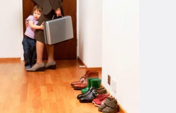 Что делать если ребенок не отпускает маму