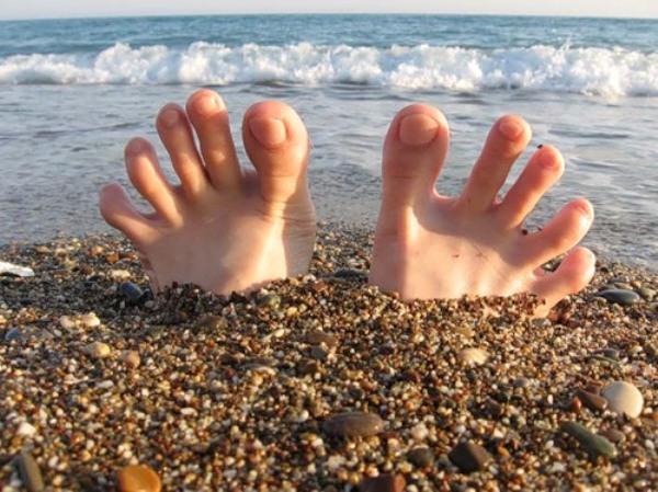 Грибок между пальцами ног причины
