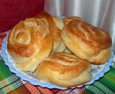 plyushki-drozhzhevye-s-saharom-recept